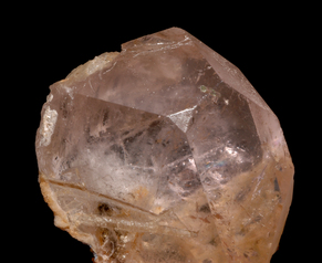 Pink morganite gemstone